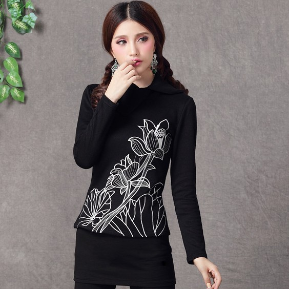 Long-sleeved T-shirt 9